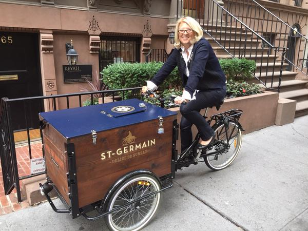 St-Germain-Wood-Cargo-Bike-Mobile-Beverage-Cart-Design-by-Icicle-Tricycles-001